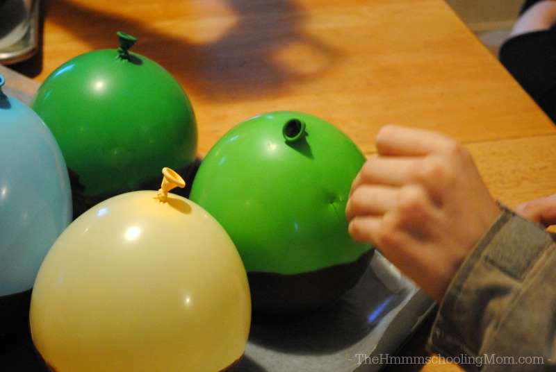 Looking for a neat chocolatey project? Try making a chocolate bowl using a balloon!